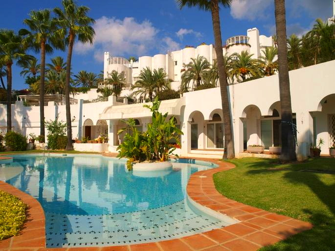 Penthouse For Sale On The Golden Mile Marbella Josa Realty