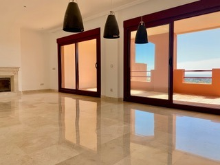 Townhouse For Rent in Los Jaralillos, Benahavis