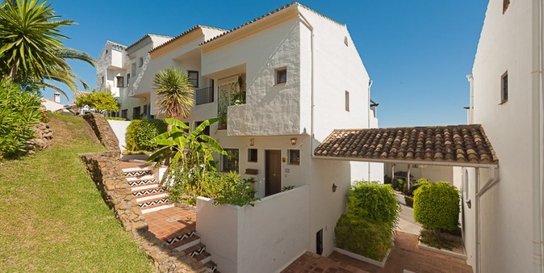 Townhouse-for-sale-in-Benahavís