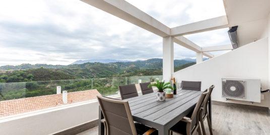 Duplex Penthouse For Rent in La Resina Golf, Estepona