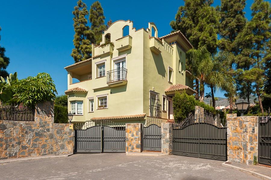 Villa for sale in Marbella Center Marbella