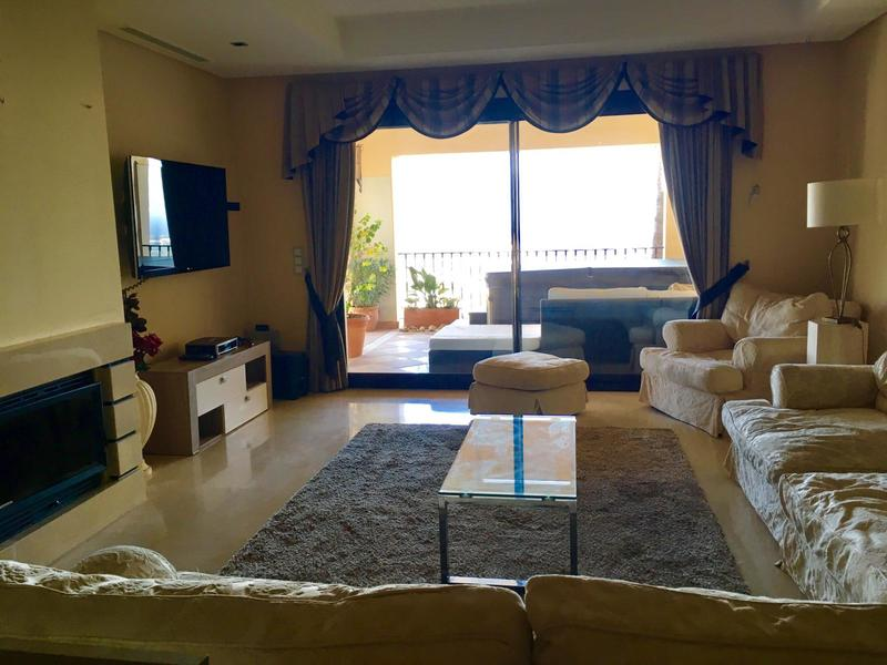 Apartment For Rent In Buenavista La Quinta, Marbella