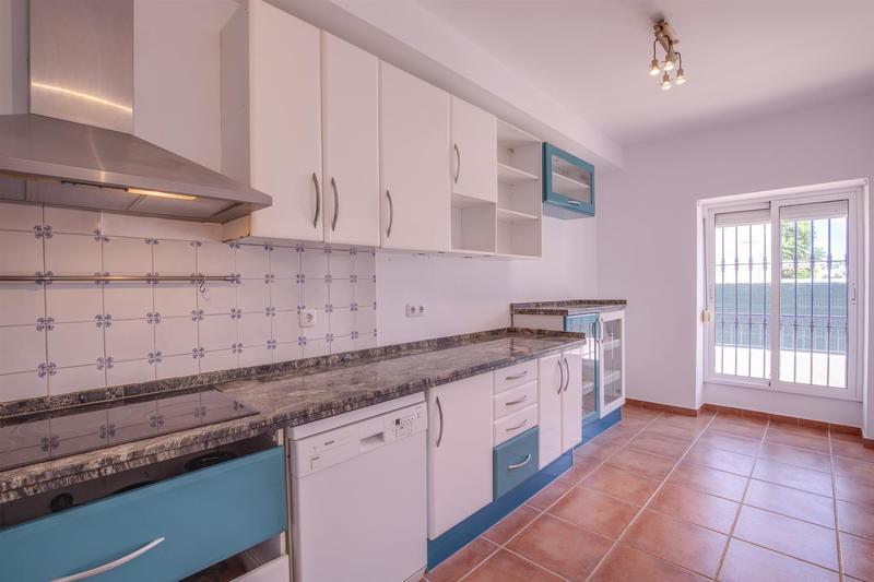 Townhouse For Sale in Villas del Rodeo, Nueva Andalucia