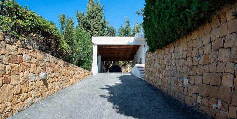 Villa-For-Sale-In-Nueva-Andalucia-Josa-Realty