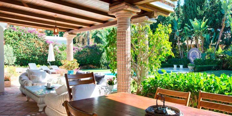 Villa-For-Sale-In-El-Paraiso-Estepona-Josa-Realty