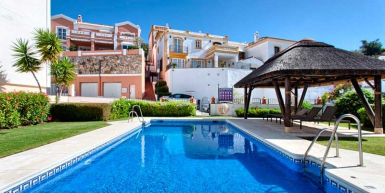 Townhouse-For-Sale-In-La-Heredia-Benahavis-Josa-Realty