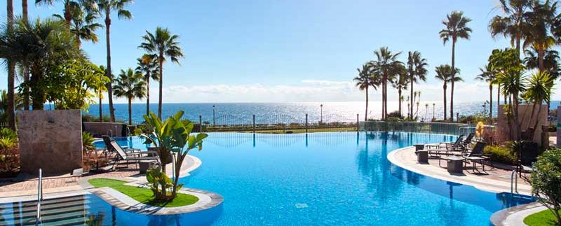 Front-line-Beach-Penthouse-For-Sale-In-Estepona-Josa-Realty