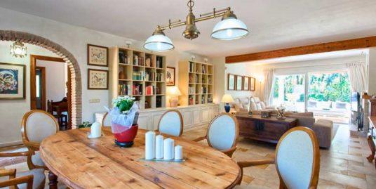 Villa For Sale In El Paraiso, Estepona