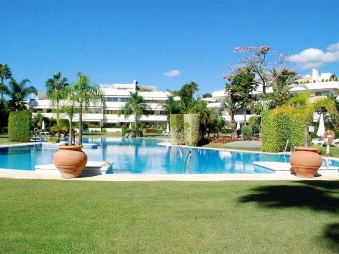 Apartment-For-Sale-In-Los-Granados-Nueva-Andalucia-Josa-Realty