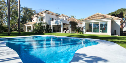 Villa For Sale In Guadalmina Baja