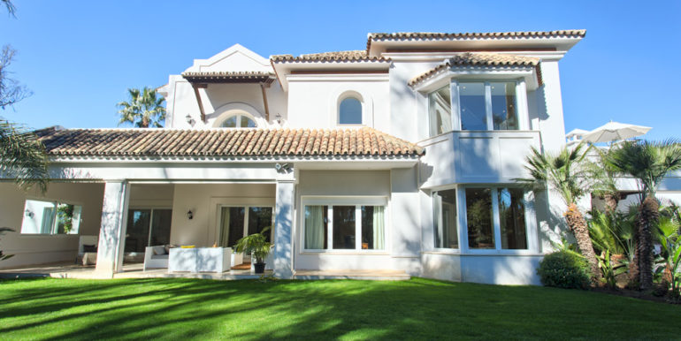 Villa-For-Sale-In-Guadalmina-Baja-Josa-Realty