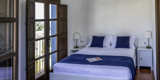 Townhouse For Short Term Rent in La Solana de Nagueles, Marbella