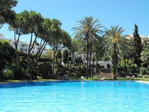 Apartment For Rent In Urbanizacion Señorío de Marbella, Marbella