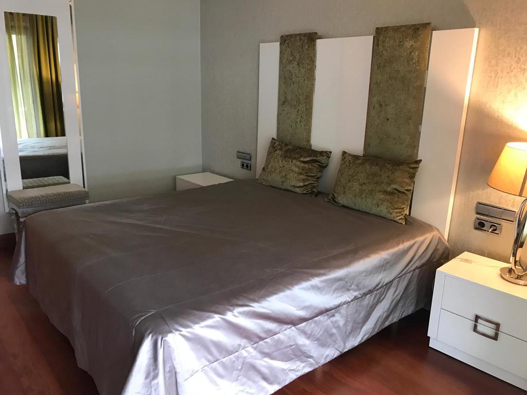 Apartment For Sale In Embrujo de Banus, Puerto Banus