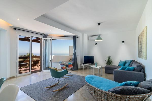 Penthouse For Rent On The Golden Mile, Marbella