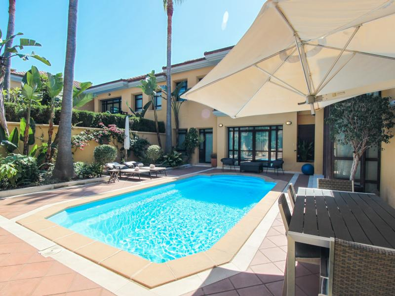 Luxurious Semi-detached House For Long Term Rent in Bahia de Banus, Puerto Banus
