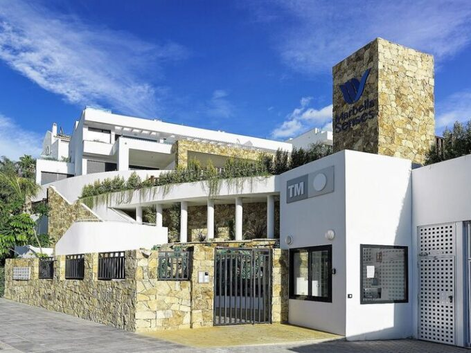 josa-realty-brand-new-townhouse-for-sale-on-the-golden-mile-marbella