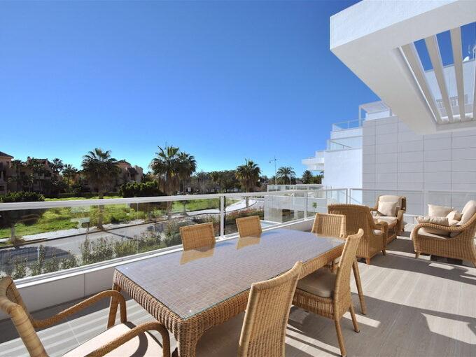 josa-realty-brand-new-beachside-penthouse-for-sale-in-san-pedro-de-alcantara