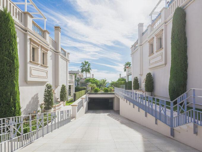 josa-realty-townhouse-for-sale-in-sierra-blanca-marbella