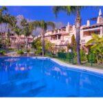 josa-realty-townhouse-for-sale-in-oasis-de-nagueles-marbella