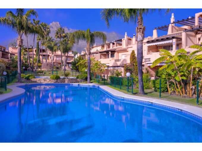 Townhouse For Sale In Oasis de Nagueles, Marbella
