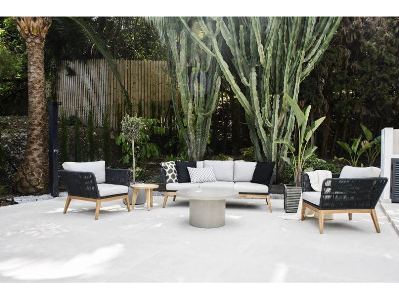 lounge-outdoor-dsc-2168-1618x1080